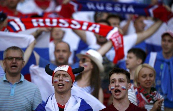 На московском ипподроме будут транслировать матчи ЧМ-2018
